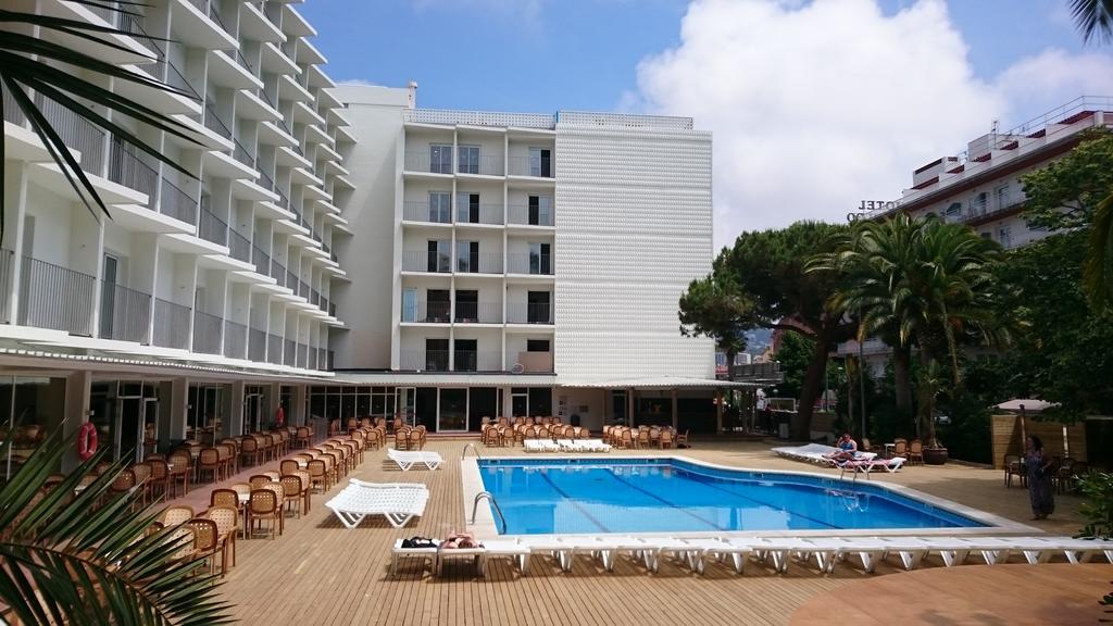 корпус отеля Gran Hotel Don Juan