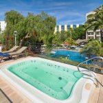 бассейн отеля H10 Salou Princess