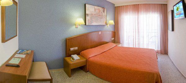 номер отеля Oasis Park Lloret