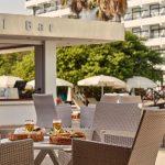 бар отеля Grecian Bay Hotel