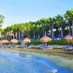 пляж отеля Grand Resort Limassol