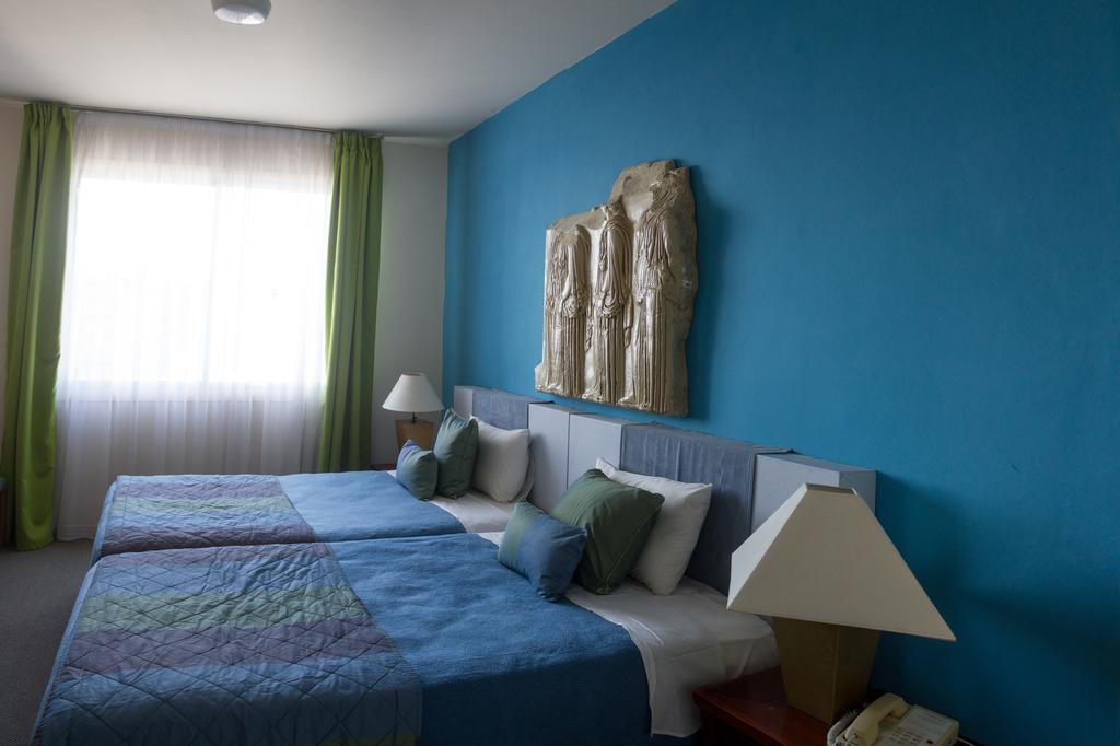 номер отеля Caravel