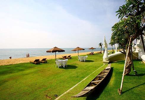 пляж отеля Dor-Shada Resort by The Sea