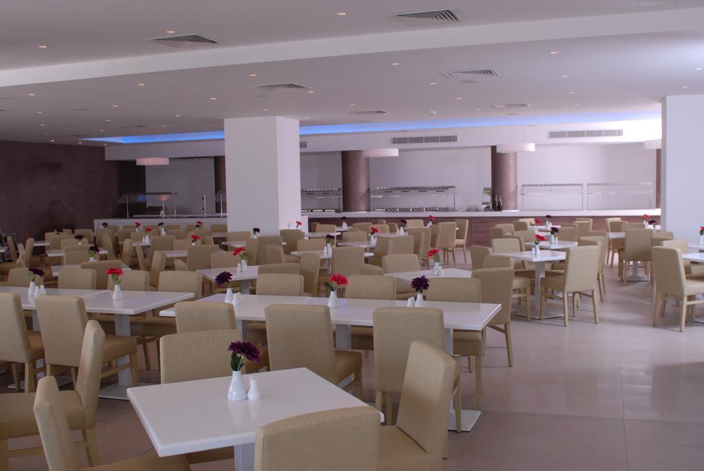 ресторан отеля Nestor Hotel