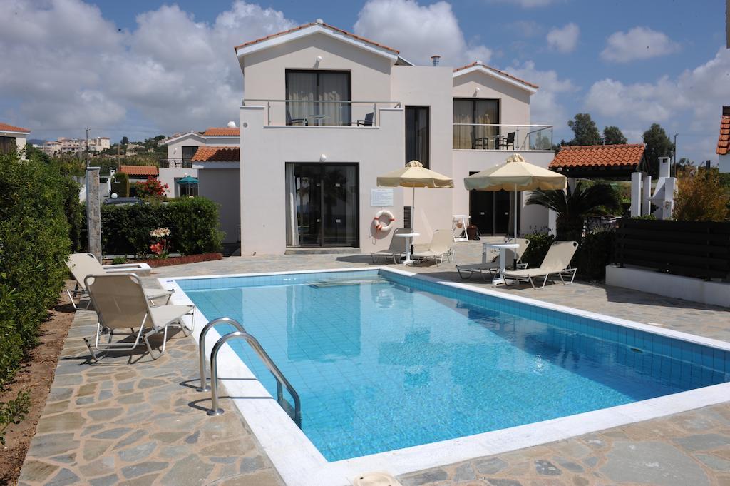 бассейн отеля Platzia Beach Villas