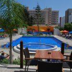 бассейн отеля Caravel