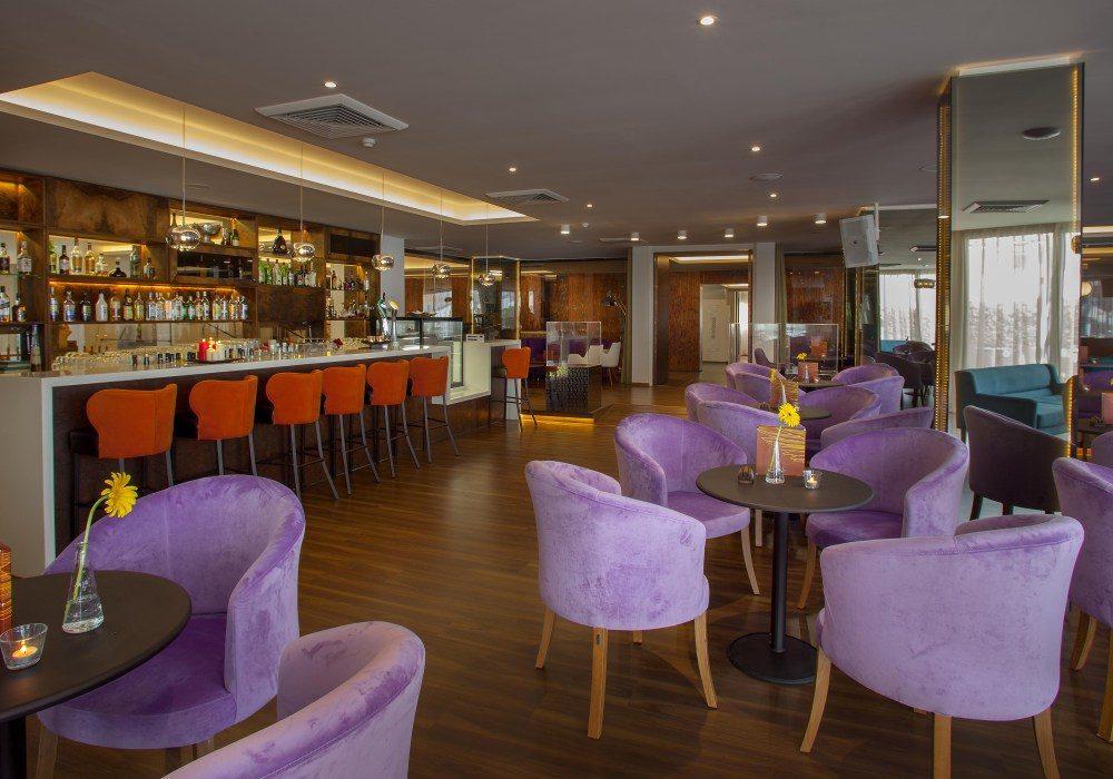 бар отеля Lordos Beach