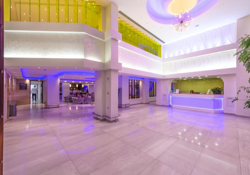 корпус отеля Tasia Maris Oasis