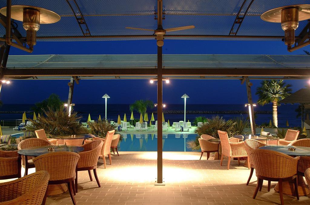 ресторан отеля Palm Beach