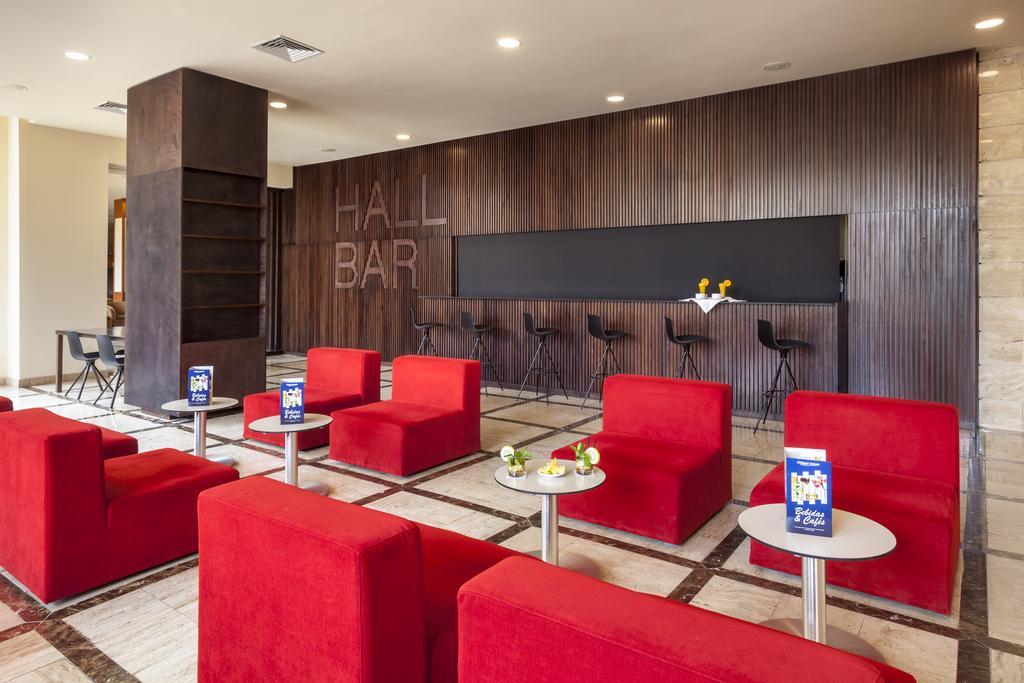 ресторан отеля Jacaranda Hotel