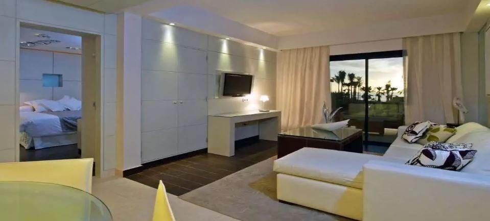 номер отеля Gran Melia Palacio De Isora