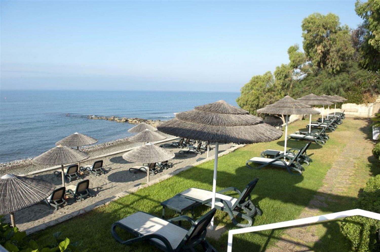 пляж отеля Atlantica Bay