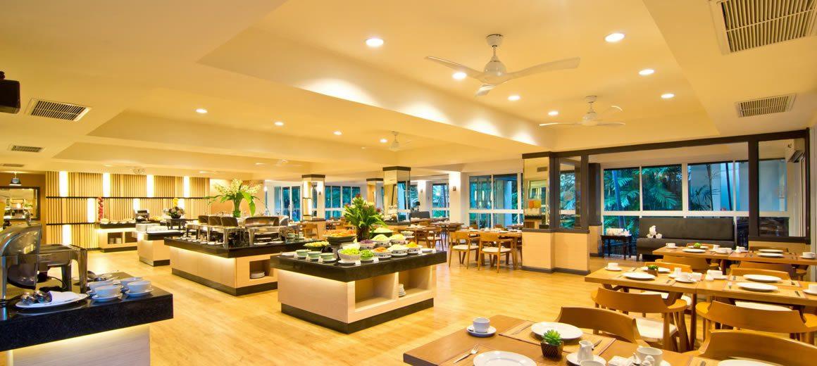 ресторан отеля The Green Park Resort