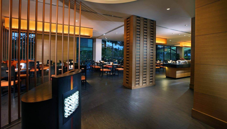 корпус отеля Amari Ocean Pattaya