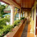 терраса отеля Coconut Beach Resort