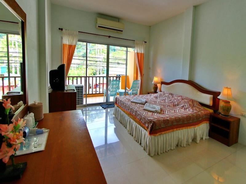 номер отеля Coconut Beach Resort