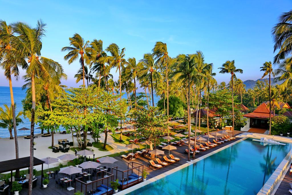 бассейн отеля Emerald Cove Koh Chang