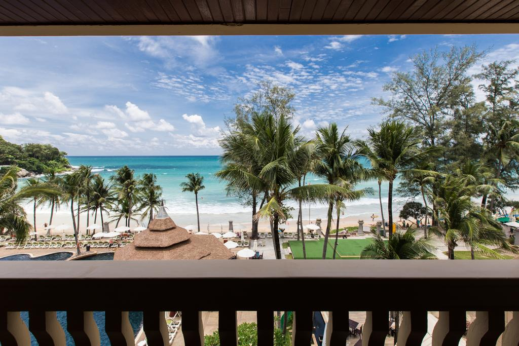 терраса отеля Kata Beach Resort & Spa