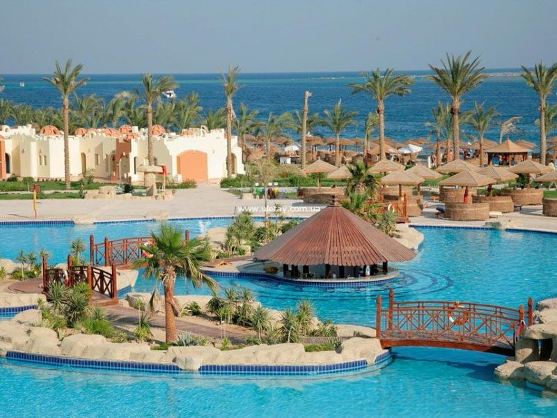 территория отеля Sunrise Royal Makadi Aqua Resort
