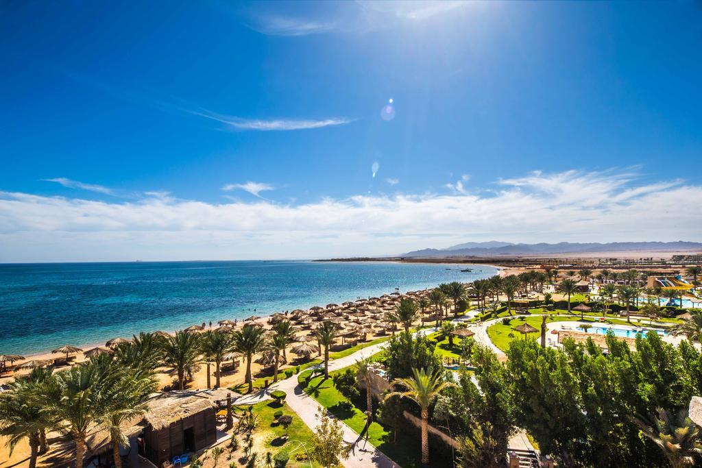 пляж отеля Caribbean World Resort Soma Bay