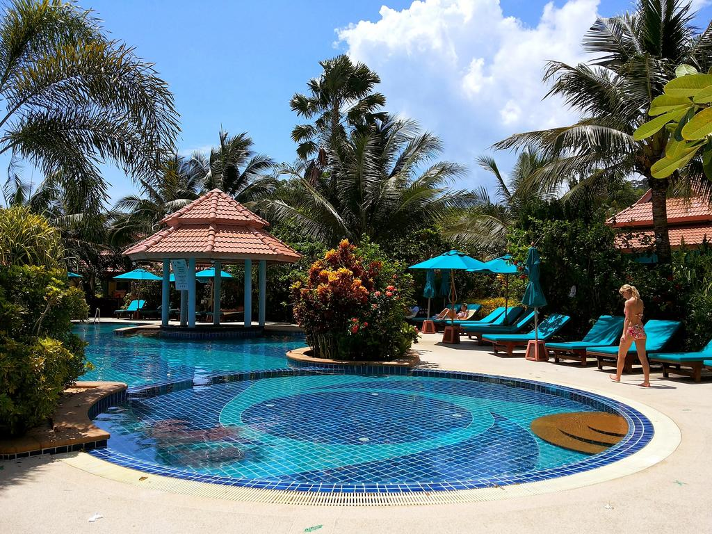 бассейн отеля Koh Chang Paradise Resort