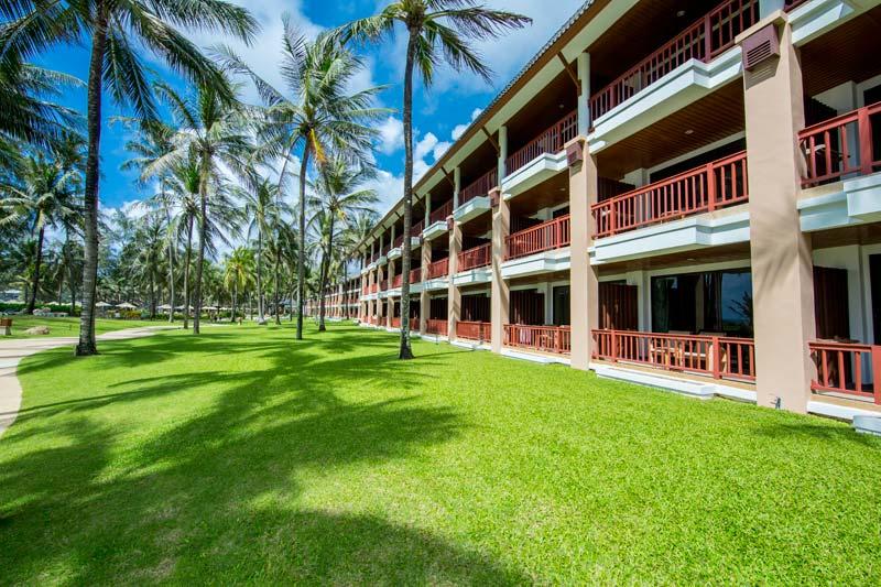 корпус отеля Katathani Phuket Beach Resort