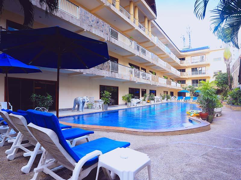бассейн отеля Baan Boa Resort