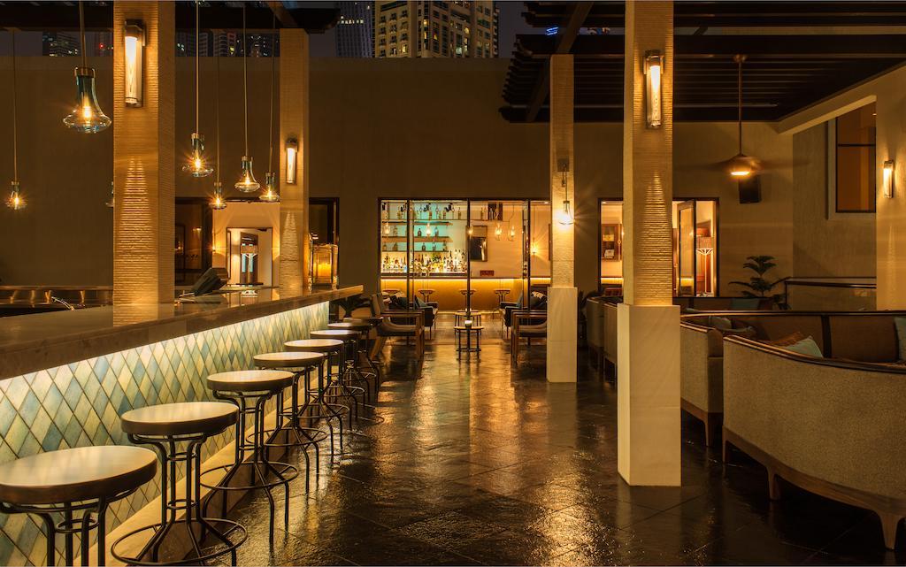 бар отеля Le Royal Meridien Beach Resorts & Spa Dubai