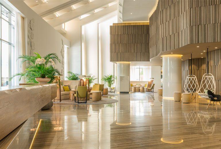 холл отеля Le Royal Meridien Beach Resorts & Spa Dubai