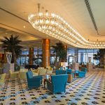 лобби отеля Hilton Dubai Jumeirah