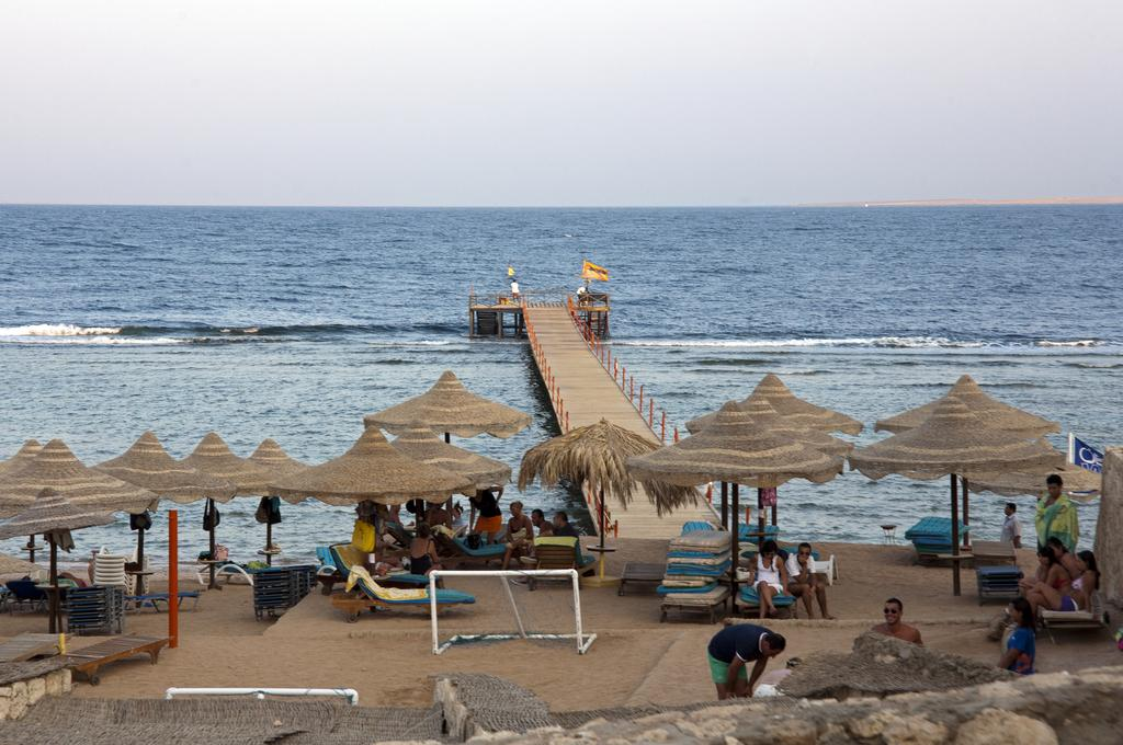 пляж отеля Tamra Beach Resort