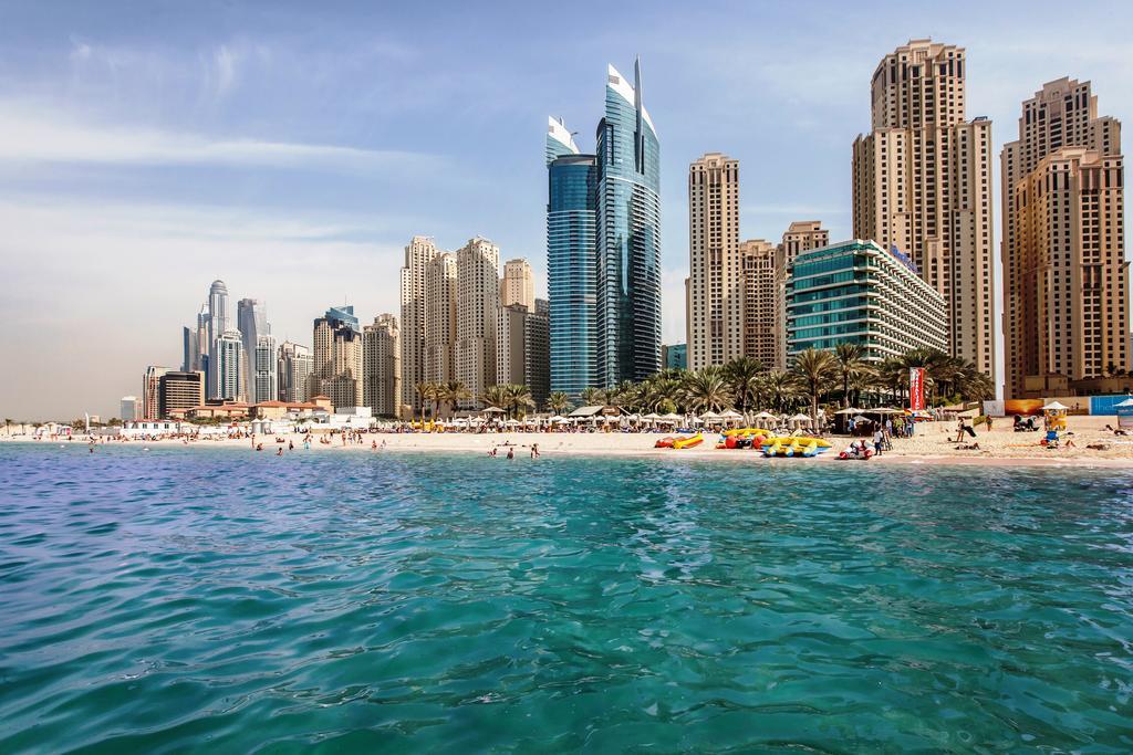 пляж отеля Hilton Dubai Jumeirah