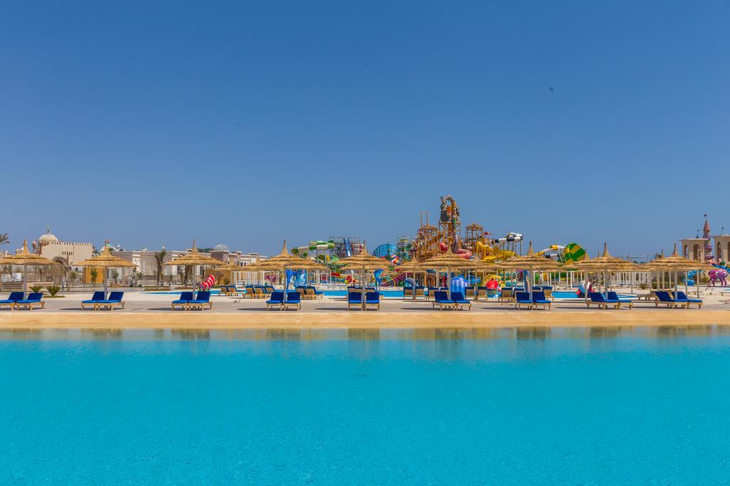 пляж отеля Albatros Aqua Park