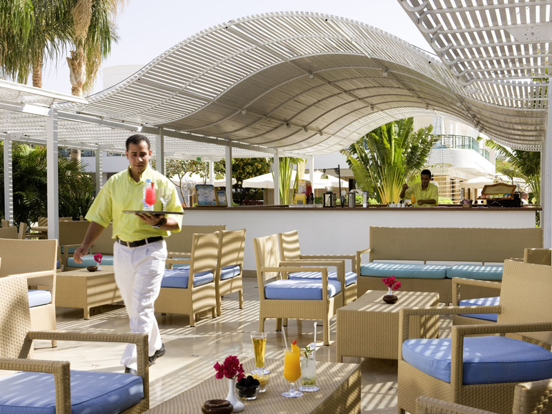 бар отеля Novotel Sharm El Sheikh Beach