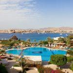 территория отеля Movenpick Resort Sharm El Sheikh Naama Bay