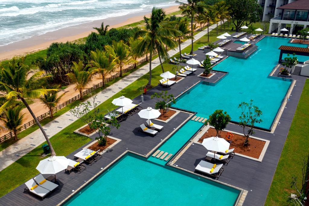 территория отеля Centara Ceysands Resort & Spa