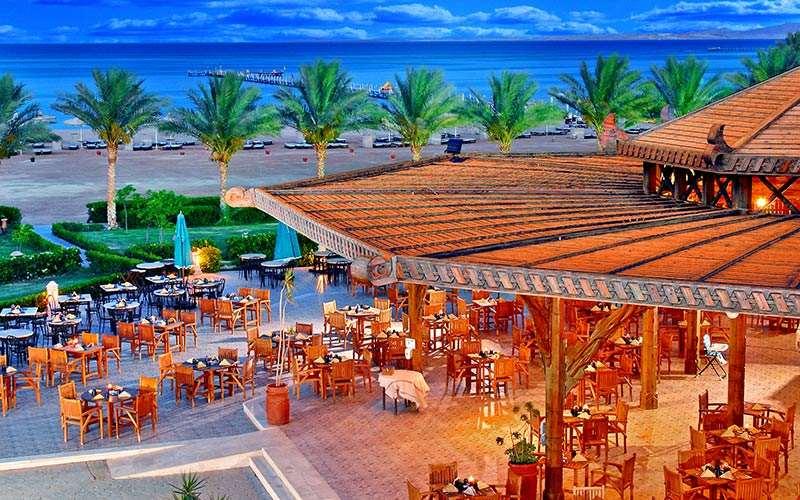 ресторан отеля Coral Sea Waterworld