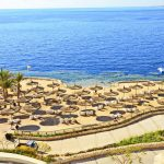 пляж отеля Reef Oasis Blue Bay Resort & Spa