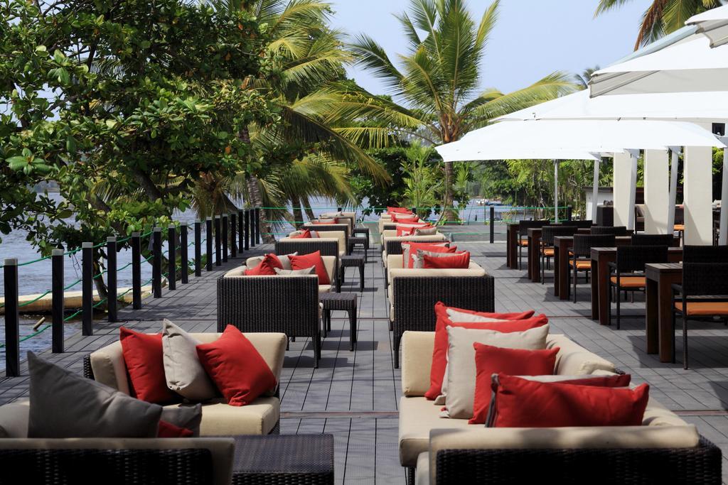 лобби отеля Centara Ceysands Resort & Spa