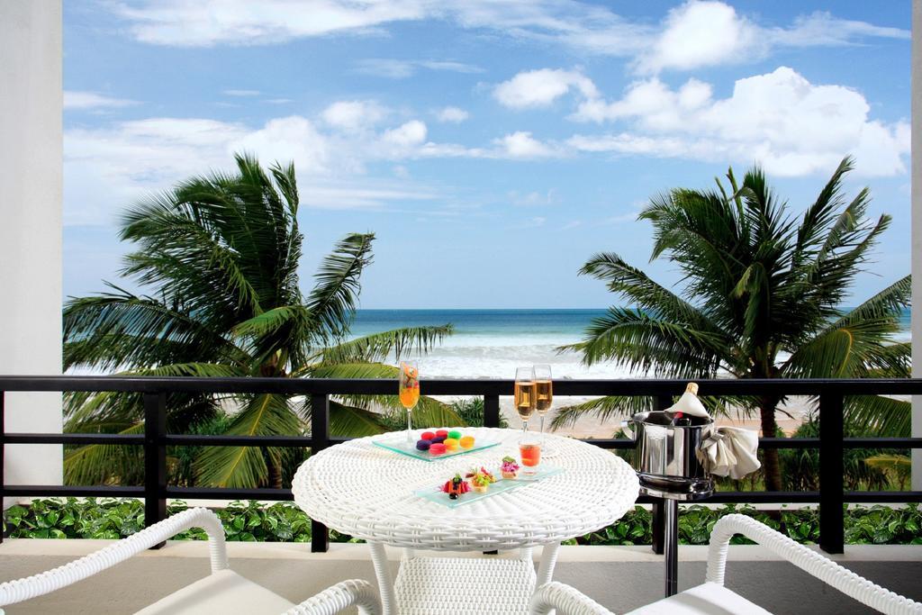 терраса отеля Centara Ceysands Resort & Spa