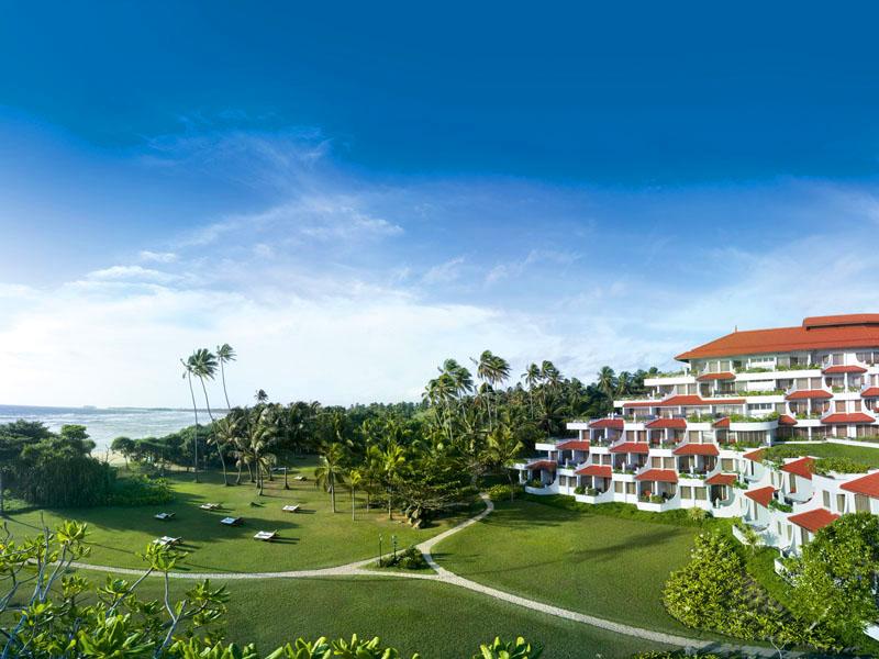 территория отеля Vivanta By Taj - Bentota
