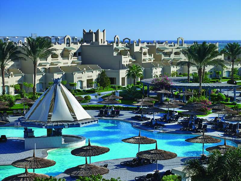 бассейн отеля Coral Sea Waterworld