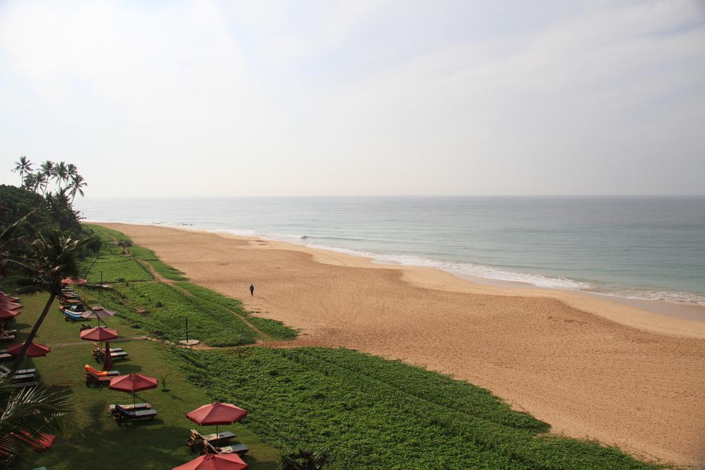 пляж отеля The Long Beach Resort & Spa