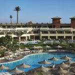 бассейн отеля Coral Sea Holiday Village Resort