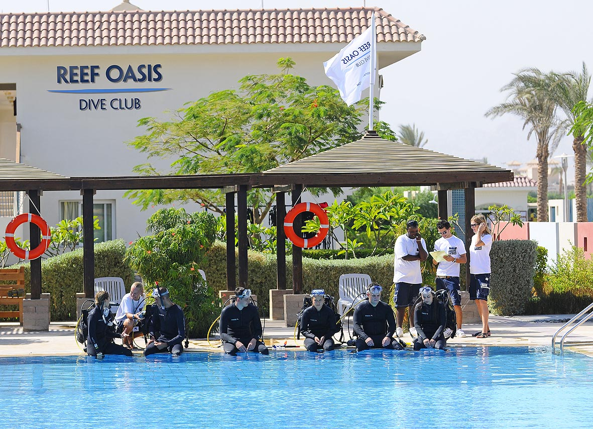 бассейн отеля Reef Oasis Blue Bay Resort & Spa