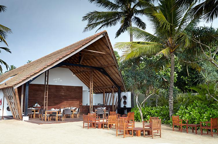 ресторан отеля The Surf Bentota