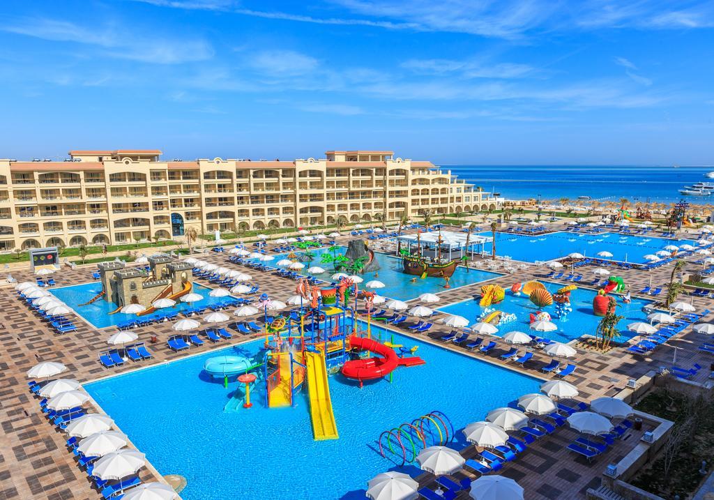 территория отеля Albatros White Beach Resort