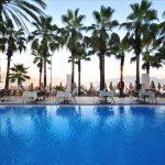 бассейн отеля Palm Beach