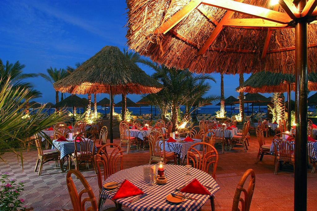 ресторан отеля Maritim Jolie Ville Resort & Casino