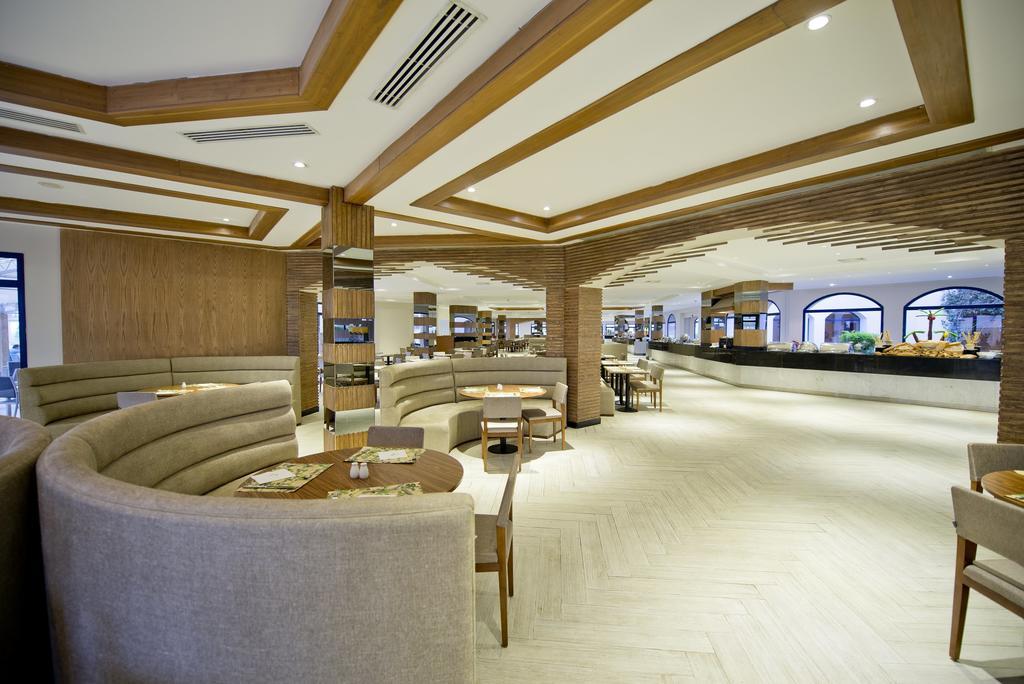 корпус отеля Otium Hotel Amphoras Sharm
